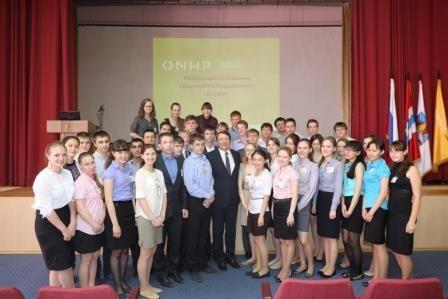 Игорь Зуга поздравляет коллектив ПАО «Омскнефтехимпроект» с юбилеем предприятия.